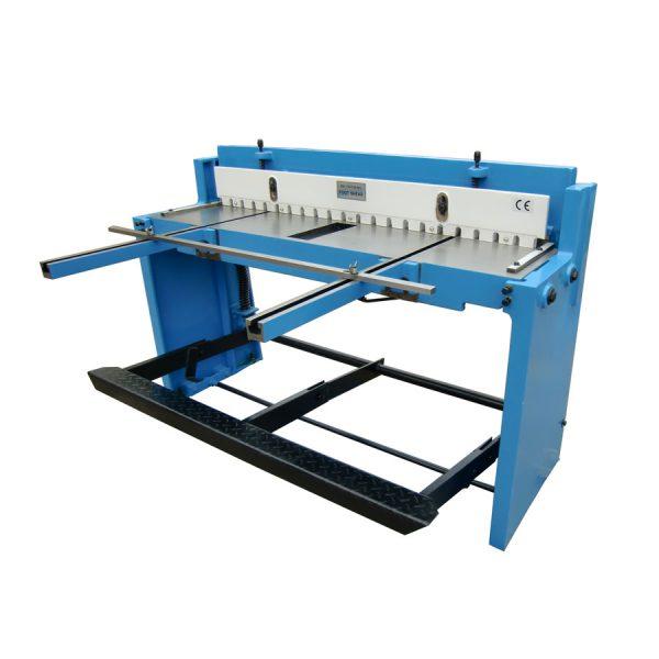เครื่องตัดเท้าเหยียบ รุ่น Q01-1.5x1320